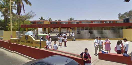 Los alumnos ya estaban reintegrados a sus actividades ayer por la tarde señaló Adrián González, subdirector del turno vespertino en esta tradicional secundaria del estado.