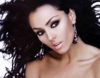 A casi un año de noviazgo con Fabio Melanitto de 26 años, la guapa actriz Ivonne Montero, de 37 años, contrajo matrimonio el pasado 10 de diciembre.