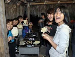 Estudiantes de la Universidad de Tottori, Japón, realizaron un viaje de prácticas a La Sierra de la Laguna.