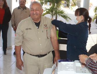 Inició el día de ayer una campaña de vacunación, coordinada con la Secretaría de Salud, en los edificios municipales, empezando por el propio palacio municipal.