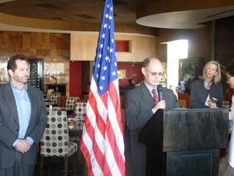 Steven Kashkett y John Brennan, de la Embajada de los Estados Unidos en México, Inauguran oficina en Los Cabos.