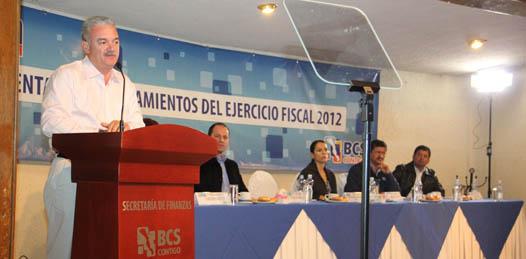 Durante el ejercicio presupuestal del 2011 se hicieron obras sin precedente para Baja California Sur sin necesidad de endeudar al gobierno dijo Marcos Covarrubias Villaseñor, al presidir la reunión de presentación del presupuesto de Egresos de Baja California Sur y los lineamientos del gasto para el ejercicio fiscal 2012.