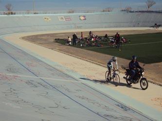 Preparan el velódromo a una semana del arranque de las Olimpiadas Estatales de Ciclismo.