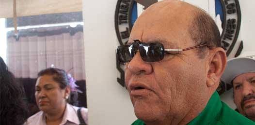"""Este descanso pre cuaresmal """"fue un acuerdo con la alcaldesa de La Paz, Esthela Ponce, y con el sindicato"""" dijo Osuna Frías, quien celebró que se les va a permitir suspender las labores temprano en el ayuntamiento y además que se les concediera que los trabajadores de base suspendan labores el próximo miércoles de ceniza."""