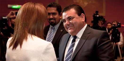 Se alinea con Josefina el presidente del PAN estatal