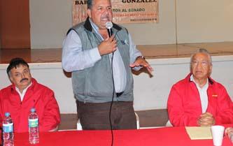 González Cuevas presidió en esta comunidad salinera un encuentro con priistas en donde además estuvieron los directivos de la empresa y el Sindicato de la Exportadora de Sal, así como autoridades y diputados locales y dirigentes de la CROC del país, encabezados por Juan Sánchez Ortiz, de este estado.