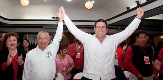 Durante la convención de delegados de su partido Isaías Cuevas pidió cerrar filas contra la opresión del PAN cuyo jefe de campaña es el presidente Calderón.