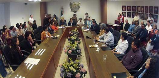 La Universidad Autónoma de Baja California Sur (UABCS), el Instituto Tecnológico de La Paz (ITLP), la Universidad de Tijuana, la Universidad Católica, el CECATI 39 La Paz, el CONALEP y la UNIDEP, son los planteles que colaborarán con el ayuntamiento paceño.