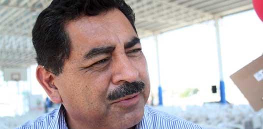 Espinoza Aguilar esbozó que lo más saludable para el Estado, en torno al tema, es permitir que estas fuerzas magisteriales resuelvan sus asuntos en casa.