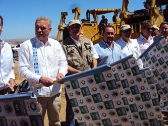 Marcos Covarrubias Villaseñor, Gobernador de Baja California Sur, manifestó su satisfacción de ser parte y testigo del arranque simultáneo de estos dos libramientos, los cuales representan la trascendencia no sólo de Los Cabos, sino de todo el estado.