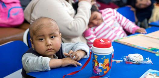 Además de la intención de construir dicho albergue, la presidenta del DIF estatal anunció la contratación del oncólogo pediatra Eduardo Altamirano.
