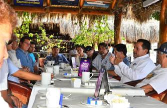 El candidato del PAN al Senado de la República, Carlos Mendoza Davis, se reunió con los integrantes del Sindicato de Pesca Deportiva de Los Cabos, con quienes se comprometió a defender las especies reservadas para esta actividad.
