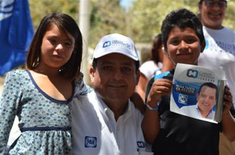 El candidato del PAN al Senado de la República, Carlos Mendoza Davis, destacó la importancia de proteger a las futuras generaciones de sudcalifornianos, con un programa de prevención para evitar que caigan en las adicciones.