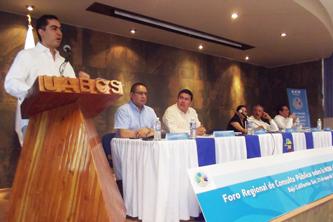 Bernardo Altamirano Rodríguez, Procurador Federal del Consumidor y Presidente del Consejo Consultivo del Consumo participó en el Foro Regional de Consulta Pública de la Norma de Telecomunicaciones, el pasado 23 de mayo de 2012 en la UABCS.