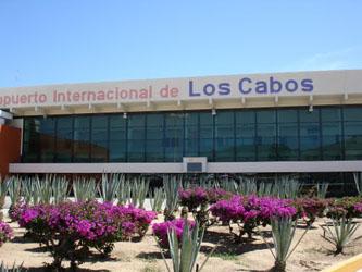 El jefe regional de los aeropuertos de La Paz y Los Cabos, Martín Pablo Zazueta Hernández, anunció que los trabajos en  la Terminal Cuatro están al 90 por ciento de su obra.