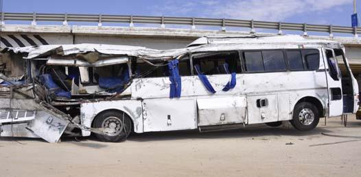 Se volcó autobús que transportaba elementos de la Policía Federal