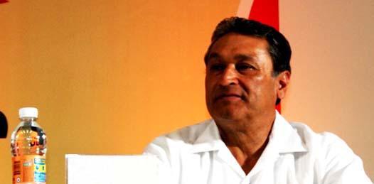 La Cámara Nacional de la Industria de Transformación (CANACINTRA) continuará insistiendo porque Baja California Sur (BCS) y Baja California (BC) posean las mismas tarifas de energía eléctrica que el resto de la república, aseguró Sergio Cervantes Rodiles, presidente del gremio, durante su última visita al estado.