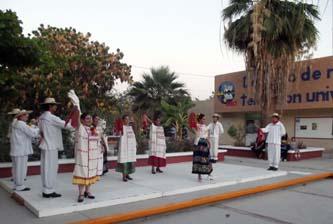 La UABCS clausuró las actividades de sus talleres artístico-culturales el pasado 7 de junio de 2012, en la explanada del Centro de Radio y Televisión Universitario.