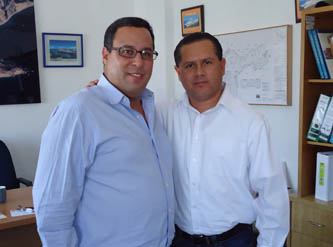 Ernesto Ibarra Montoya sostuvo un encuentro con el gerente de Comercialización de la API en Cabo San Lucas, César Lira Reynoso, a quien le planteó la preocupación existente en el grupo de fileteros, que por más de 30 años habían permanecido en la dársena sanluqueña y que, tras la serie de adecuaciones de la concesionaria (API), se habían sentido relegados.