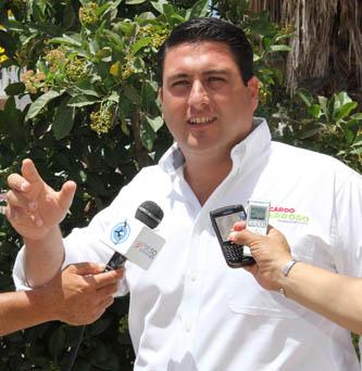 """""""En Baja California Sur los candidatos del PRI vamos a ganar porque la gente así lo manifiesta  por todos lados, dijo el candidato del PRI al Senado de la República, Ricardo Barrosos Agramont."""