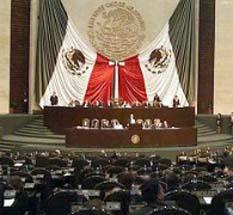 En los 199 distritos en los que van en coalición los partidos Revolucionario Institucional (PRI) y Verde Ecologista de México, Compromiso por México logra 26.20 por ciento de los votos contados para la elección de diputados.