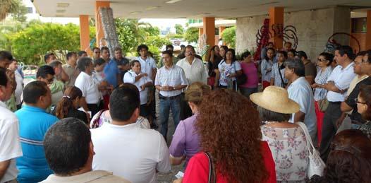 """De nuevo se va a paro de labores el Colegio de Bachilleres (COBACH) de Baja California Sur (BCS), pues a 500 trabajadores sindicalizados, """"entre docentes y no docentes"""", se les adeudan 8 millones de pesos de su pago quincenal y más de 6 millones en bonos retroactivos."""