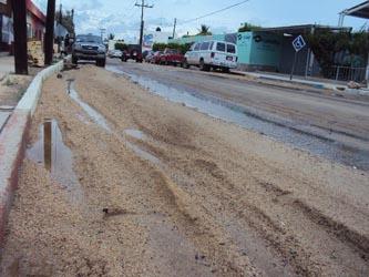 El municipio de Los Cabos cuenta con un recurso de seis millones de pesos para el programa intensivo de rehabilitación y bacheo, pues tras las lluvias que se han registrado desde el pasado mes de agosto, diversas vialidades municipales y federales resultaron con daños de consideración.