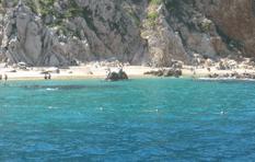 Termina SEMAR de colocar boyas en Playa Pelícanos