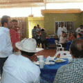 Gallo Zavala con profesores
