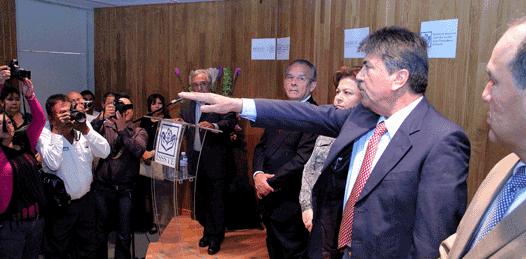 Rodarán cabezas de simuladores, advierte nuevo delegado del ISSSTE