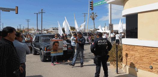Hasta la casa del Gobernador llegaron los manifestantes