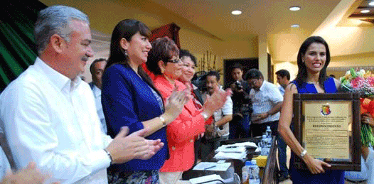 """A pesar de su """"continua y mediática presencia"""", la primera dama trabaja"""