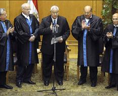 Egipto: presidente interino