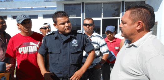 Hasta el Congreso llegaron policías inconformes