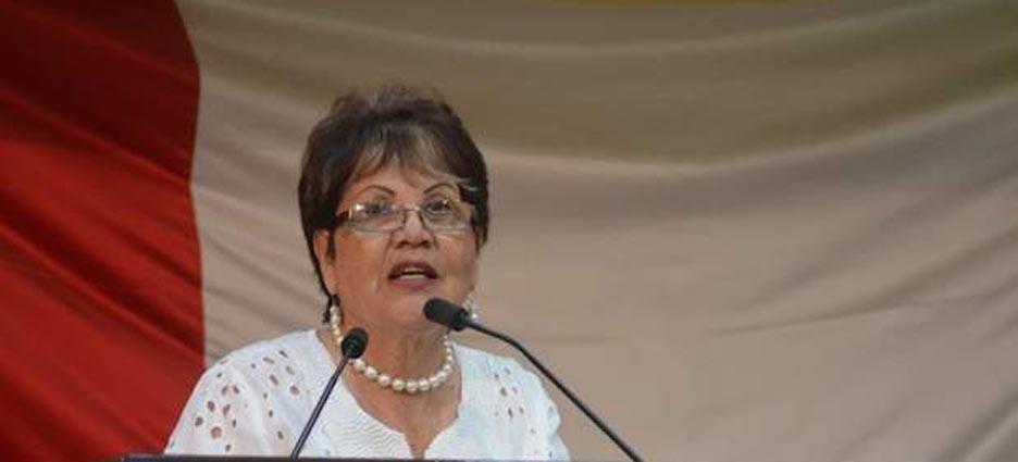 La diputada y profesora panista Adela González Moreno aceptó no haber leído bien la reforma educativa
