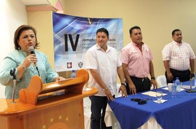 La alcaldesa Esthela Ponce Beltrán inauguró la Cuarta Jornada de Capacitación a servidores públicos del gobierno del estado y municipios de Baja California Sur