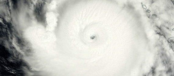 Imagen del huracán Odile a su entrada en B.C.S. (fuente: NASA)