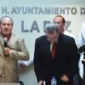 Al tomar protesta como nuevo presidente municipal de La Paz, Francisco Javier Monroy Sánchez, ofreció trabajar en equipo, con ideas y sin distingos políticos en beneficio de la sociedad paceña.
