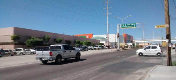 cruce de la Avenida San Antonio con la carretera a Todos Santos.