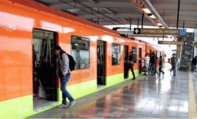 Repegon de verga en el metro - 3 1