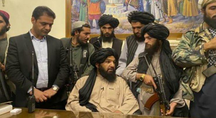 Declaran Talibanes fin de guerra