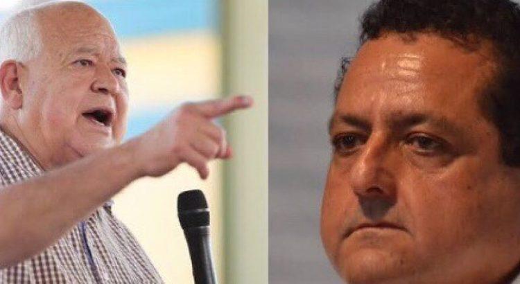 """Ningún funcionario ganará """"groseras cantidades"""" advierte Víctor Castro"""