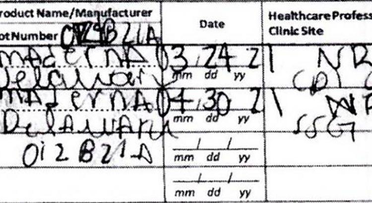 La cacharon con un certificado de vacunación falso